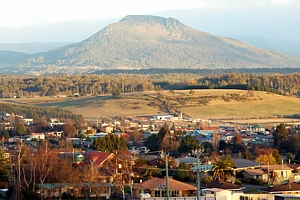 Deloraine town and Quamby Bluff